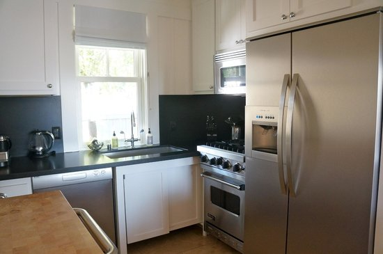 Carneros Resort and Spa: Fully-stocked kitchenette