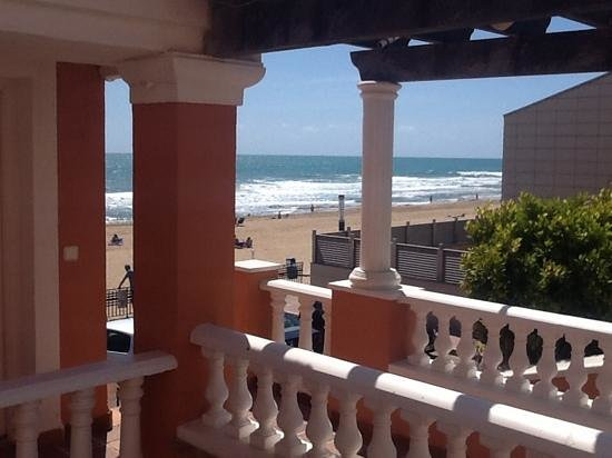Lloyds Beach Club: veiw from our room
