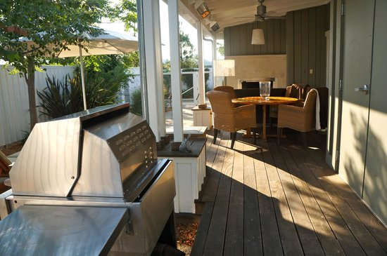 Carneros Resort and Spa: Grill - ideal for entertaining