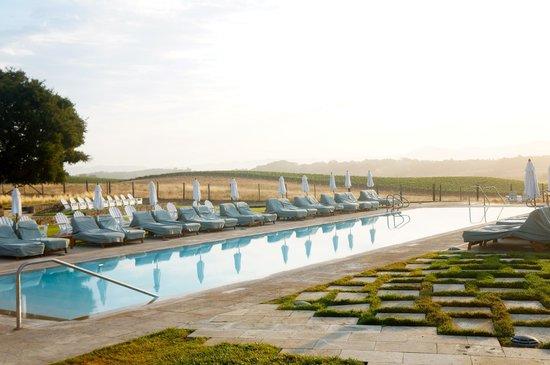 Carneros Resort and Spa : Main pool at dawn