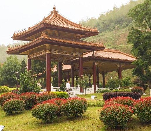 Yixing, Kina: Zugangsallee zum Dajue Tempel