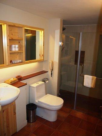 Spice Village: Bathroom