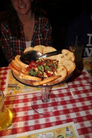 Buca di Beppo : Our yummy Bruschetta entree