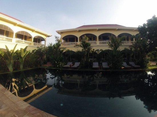 Pavillon d'Orient Boutique-Hotel: Pool !!