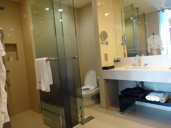 VIE Hotel Bangkok, MGallery by Sofitel : #2204 Bath room
