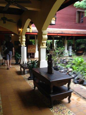 Pavillon d'Orient Boutique-Hotel: Check in area