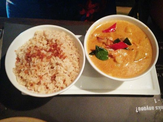 Cho Gao Restaurant and Lounge : Prawn Masaman Curry with Garlic Rice