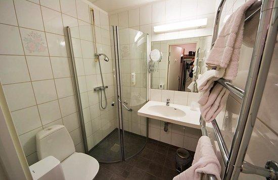 Best Western Hotell Ljungby: Badrum