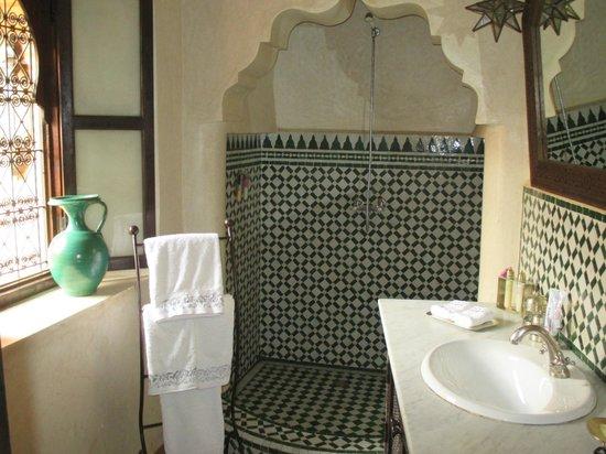 Riad Ilayka: Edeyen shower