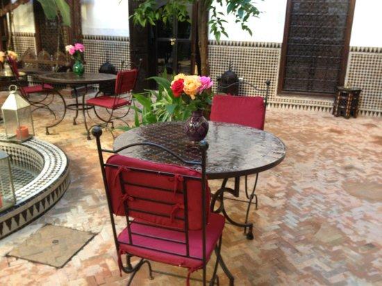 Riad Ilayka : courtyard