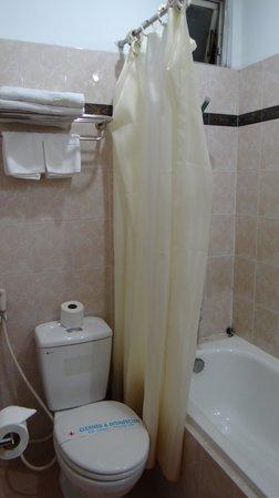 Thien Tung Hotel : санузел