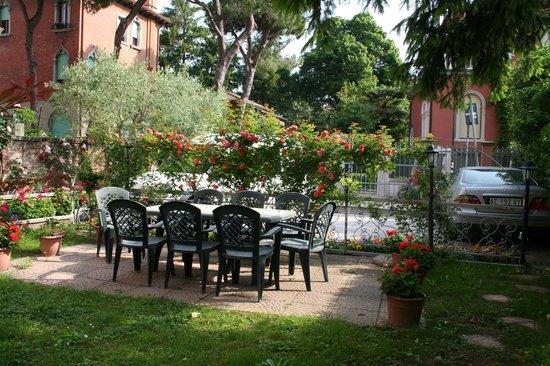 B&B Casa delle Rose: garden