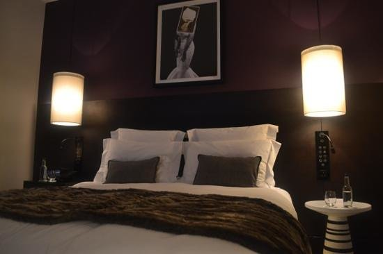 South Place Hotel: the bed