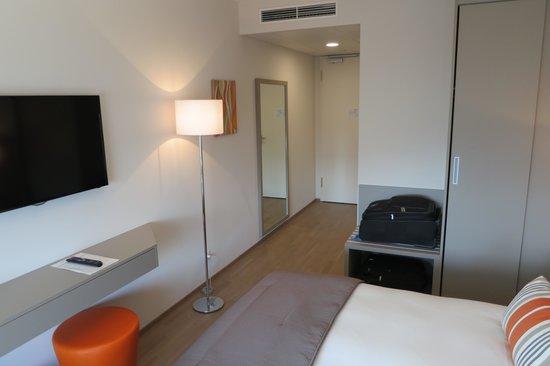 Lake Geneva Hotel : Standard double room #362