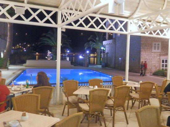 Hotel Lapad: Terrace Bar