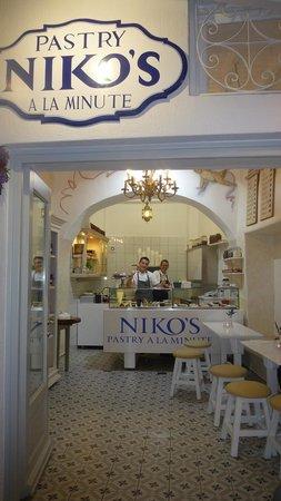 Niko's Taverna : Patisserie Niko's