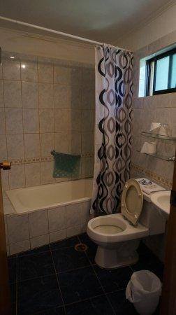 O'tai Hotel: バスルーム