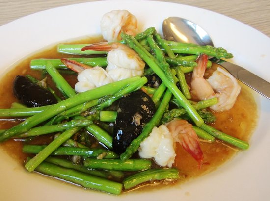 Somboon Seafood Surawong : Food were so~so and expensive