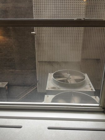 The Lexington New York City, Autograph Collection: View from room - big and noisy and smelly extractor fan