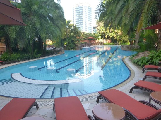 Kampala Serena Hotel: Part of pool area