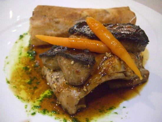 Restaurant Le Petit Paris: râble de lapin, foie gras et bric aux pommes de terre ... j'en salive encore !
