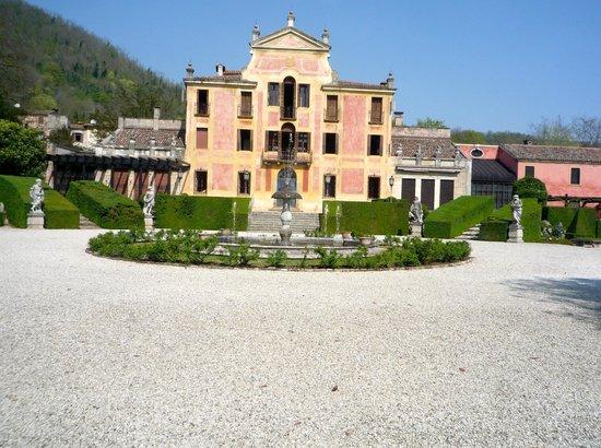 Brugnera, Italia: la bella villa