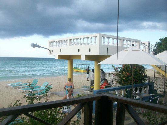 White Sands Negril: the upper deck on the beach