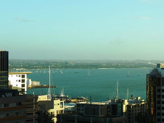 Barclay Suites Auckland : Bay view