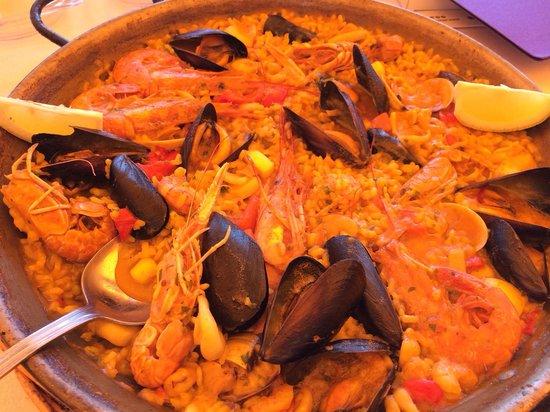 La Santa Maria: Paella marinera. Lo único decente en este restaurante.