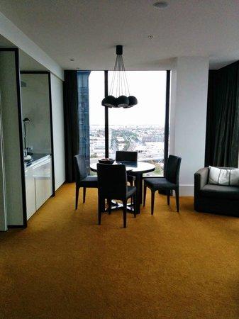 Crown Metropol Melbourne: Lounge