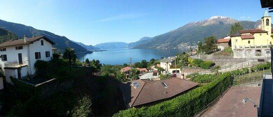 Hotel Ristorante Belvedere: View of lake como from our private balcony.