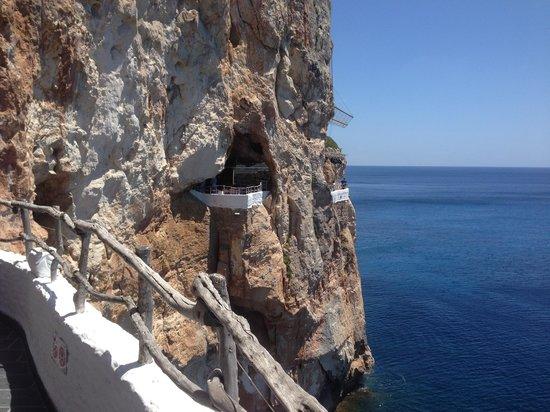 Cova d'en Xoroi: Balconi scavati nella roccia