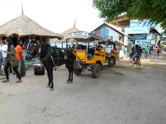 Samba Villas: Cidomo en calle de Trawangan