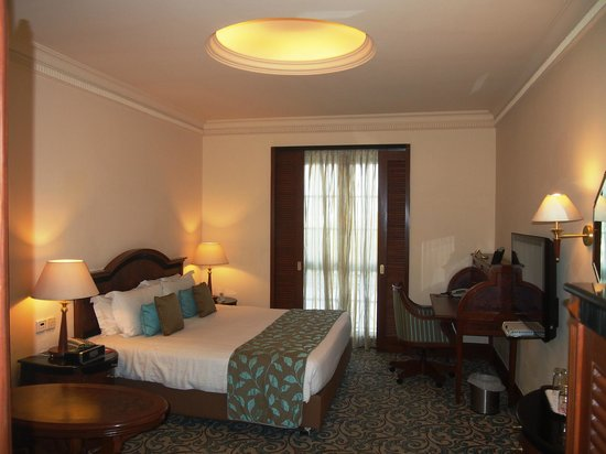 The Residency Towers: Bedroom