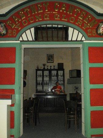 Malta Maritime Museum: Canteen doorway