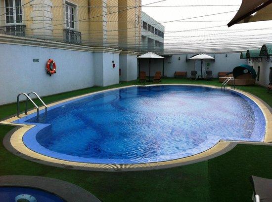 The Residency Towers: Pool