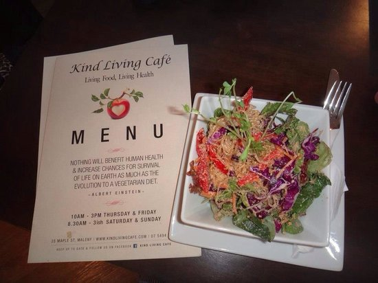 Kind Living Cafe: Kelp noodle pad thai