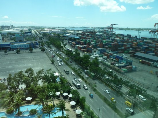 Radisson Blu Cebu: window view from romm 1025