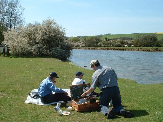 Seven Sisters Country Park: Cuckmere haven is a great place for a picnic