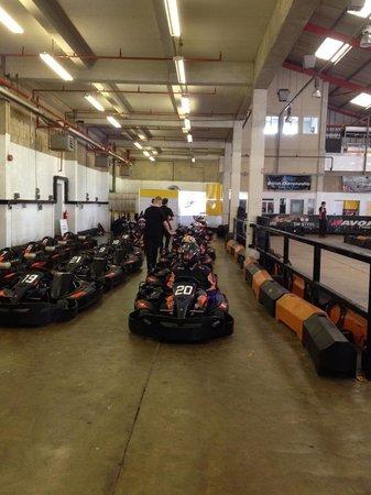 Formula Fast Indoor Karting : Pit lane
