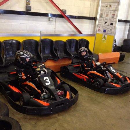 Formula Fast Indoor Karting : Safety brief