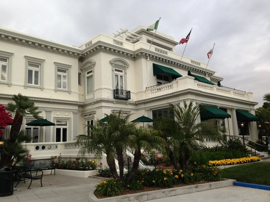 Glorietta Bay Inn : Главное здание отеля