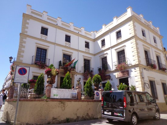 Hotel El Poeta de Ronda : Outside hotel