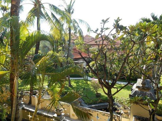 The Tanjung Benoa Beach Resort Bali : jardín acogedor