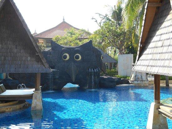 The Tanjung Benoa Beach Resort Bali : Piscina muy acogedora