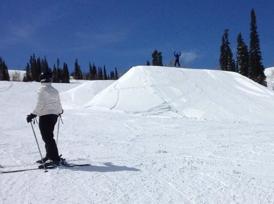 Powder Mountain: Hidden Lake Terrain Park