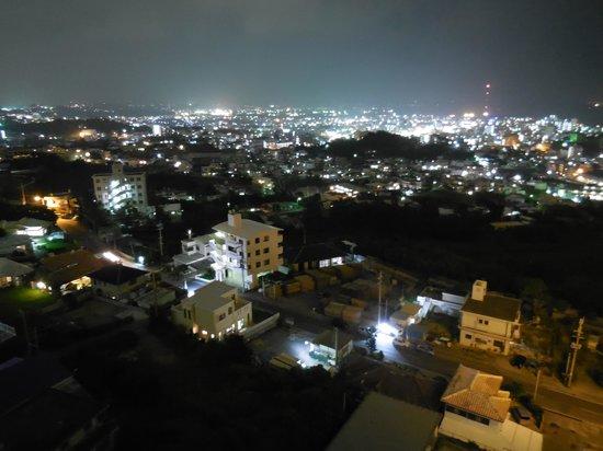 Okinawa Grand Mer Resort: 部屋からの夜景