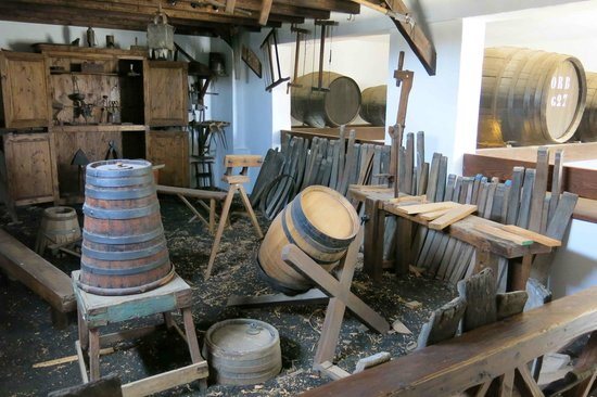 Bodega El Grifo - Museo del Vino : The cooperage