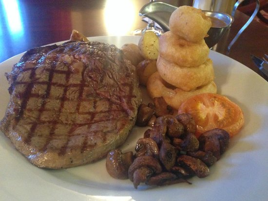Burnett Arms Hotel: Char grilled 8 oz rib eye