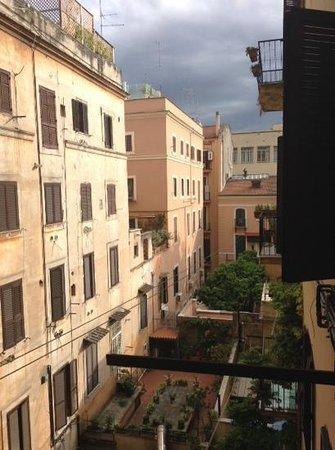 The Yellow: vue du balcon